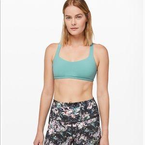 Lululemon free to be bra (wild) sports bra size 4